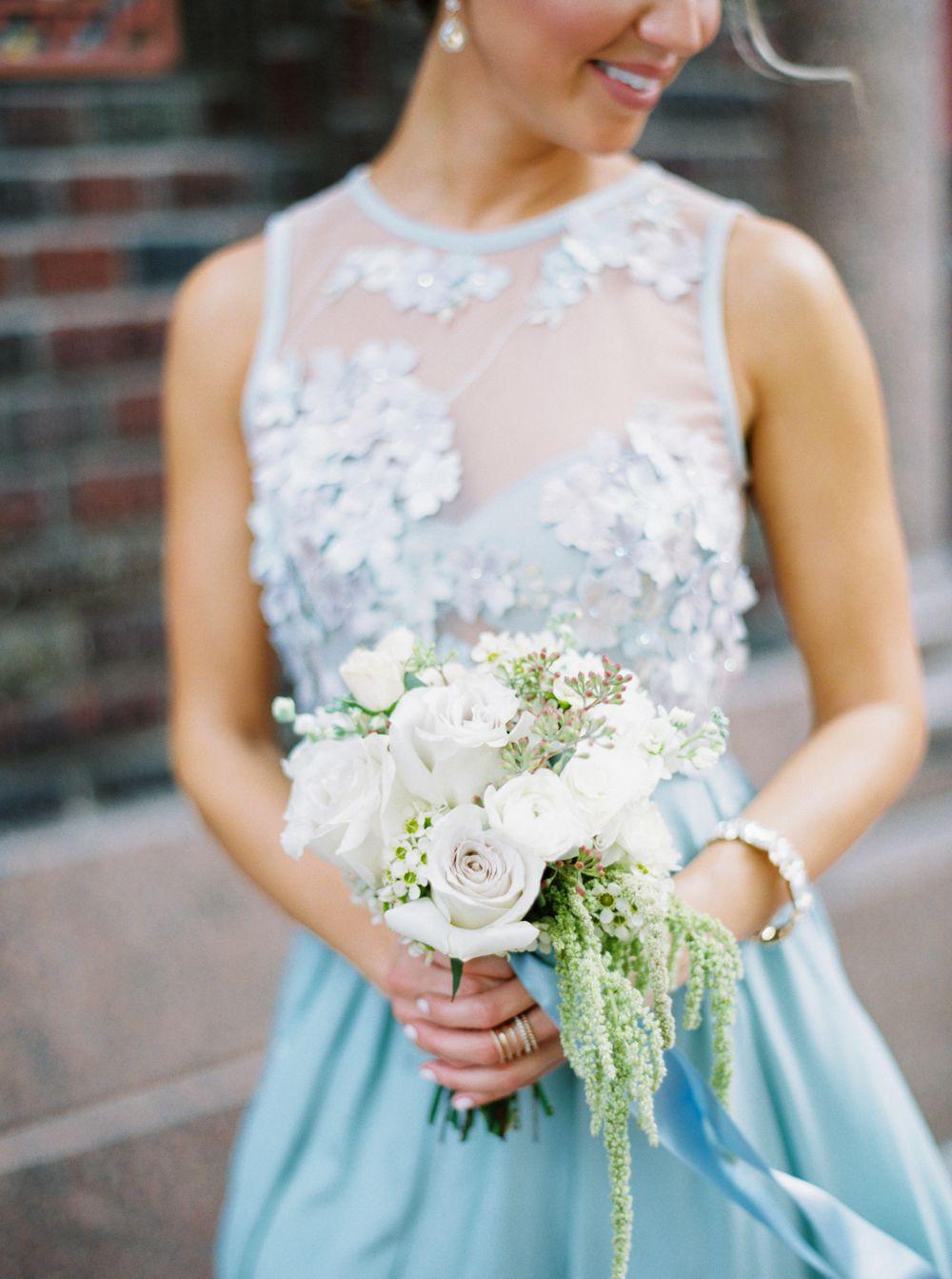 <p>Bridesmaid with bouquet</p><br><br>