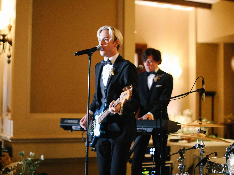 savannah and riker wedding, riker performing