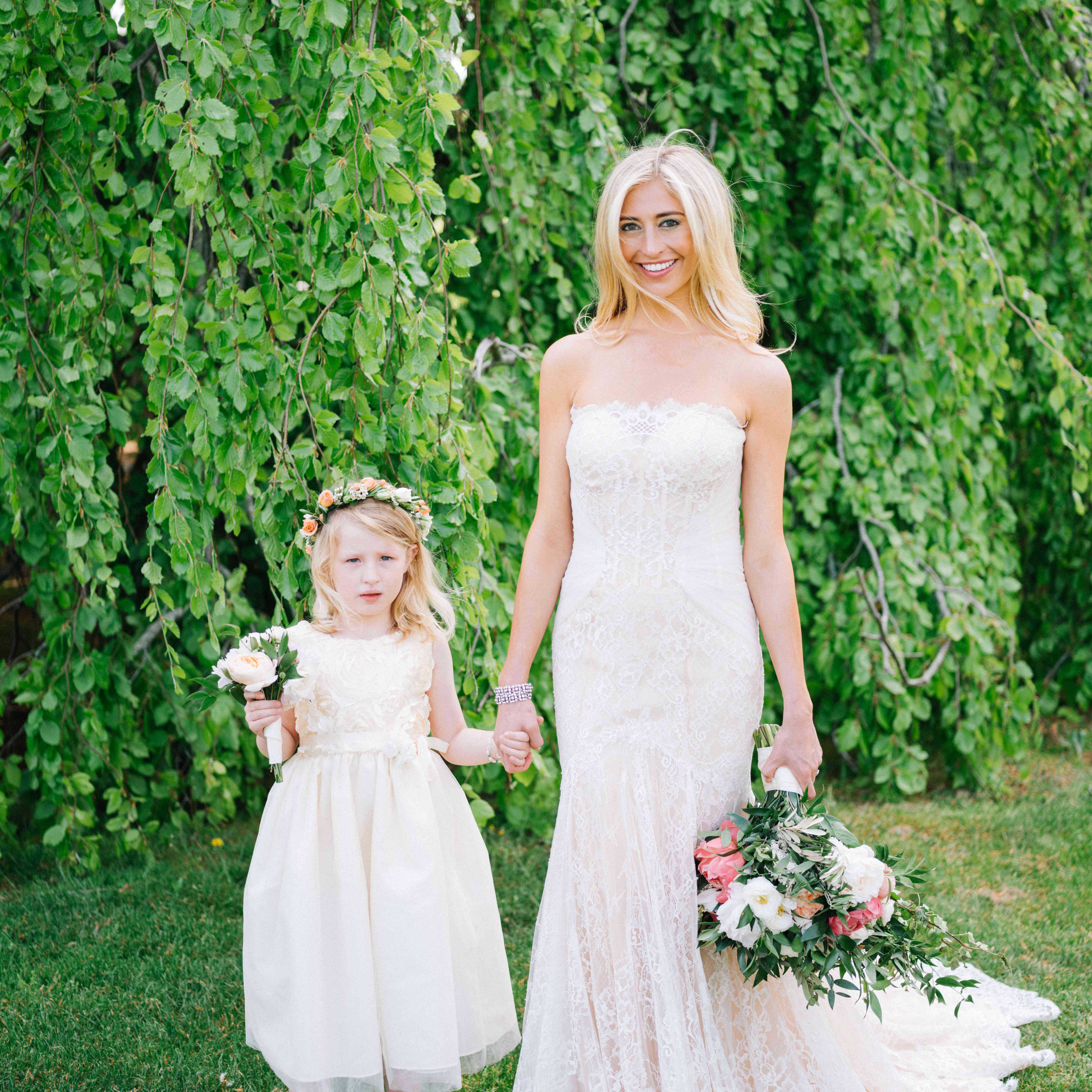 <p>bride and flower girl</p><br><br>