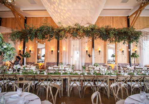 <p>Greenery Wedding Chandelier</p>