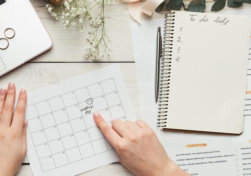 Wedding calendar and to do list