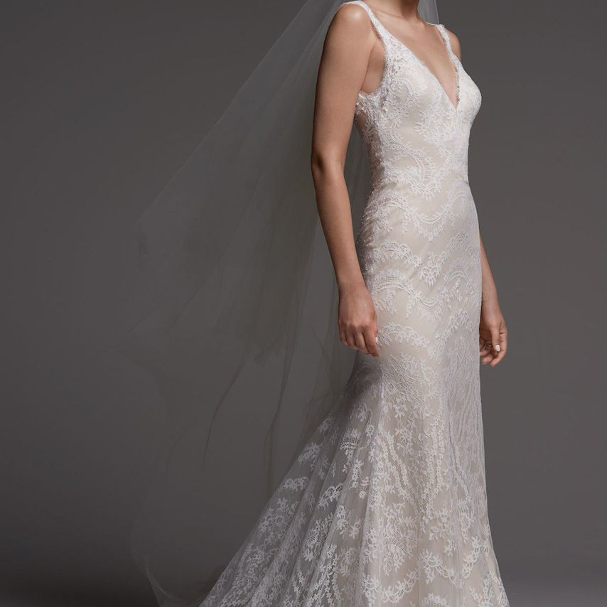 20 Champagne Wedding Dresses For The Bride Who Wants Subtle