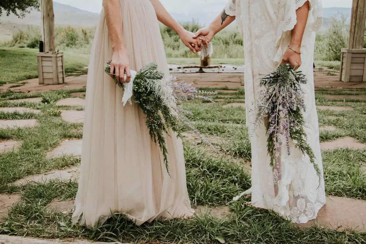 brides with lavender bouquets