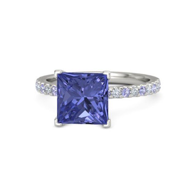 Princess-Cut Lara Ring