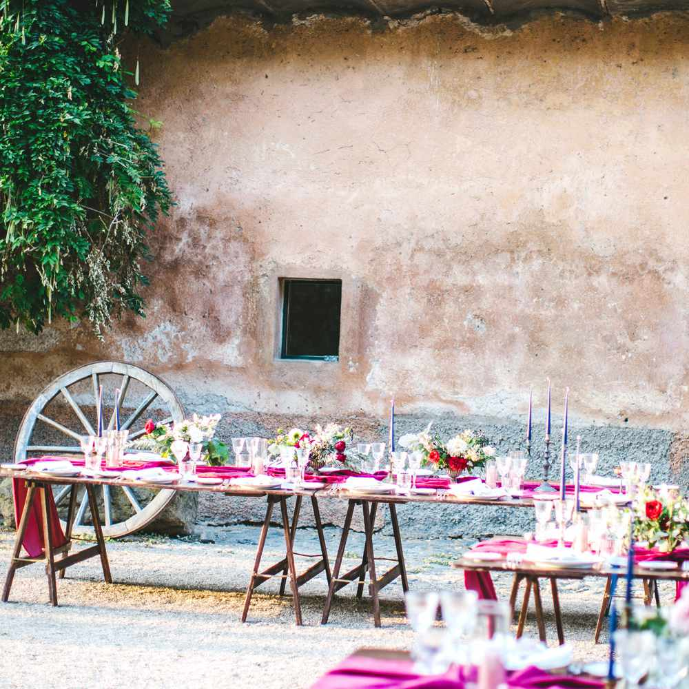 Story Unique Games To Play At Wedding Receptions: A Mood-Filled Wedding In The Roman Countryside