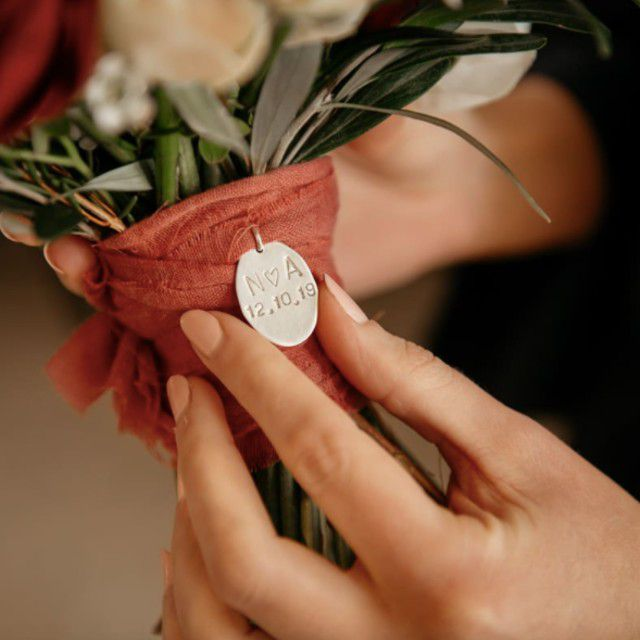 bouquet charm with date