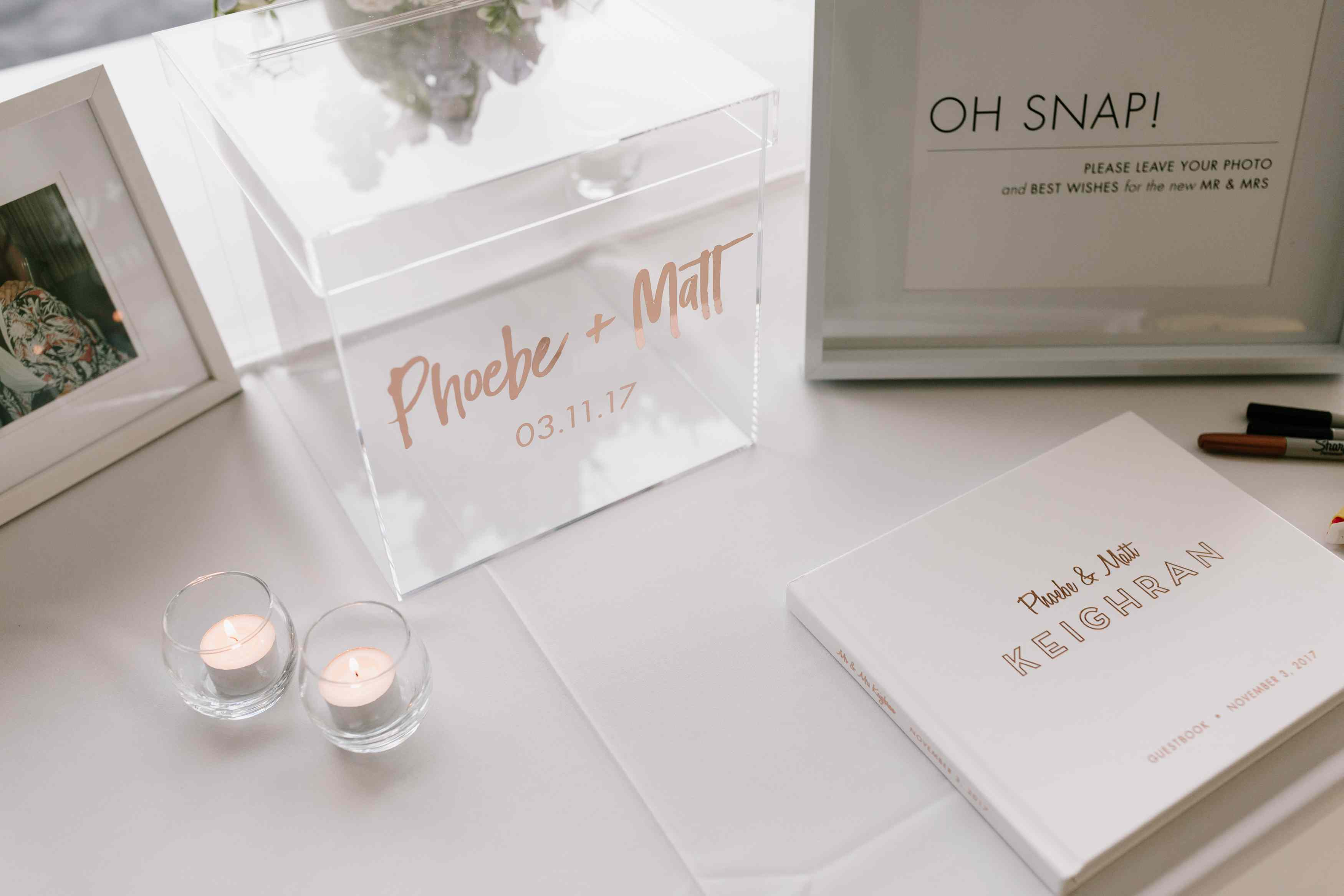 <p>guest book</p><br><br>