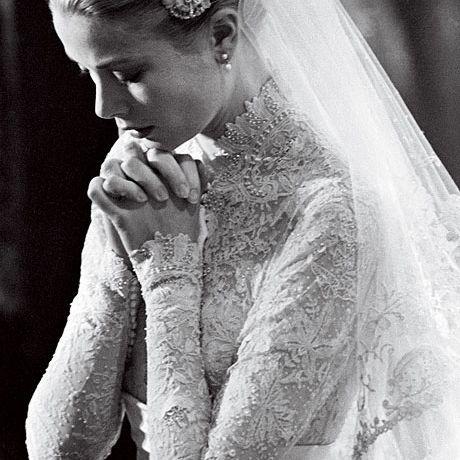 Grace Kelly marries Prince Rainier III in Helen Rose, 1956