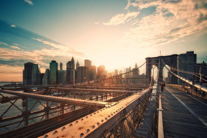 Brooklyn-Bridge-at-Sunset_Philipp-Klinger-Moment-Getty-Images.jpg