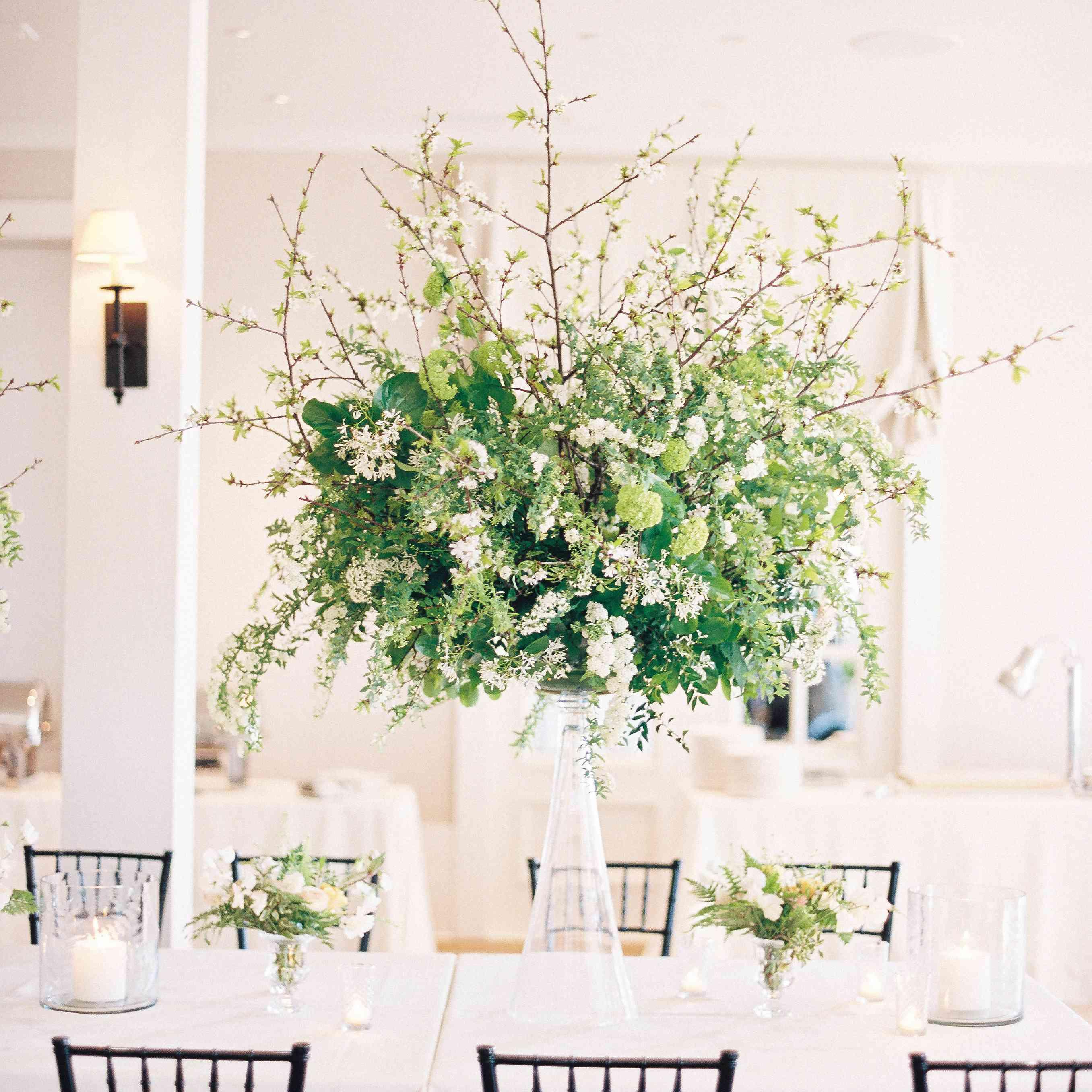 Reception dinner table setting