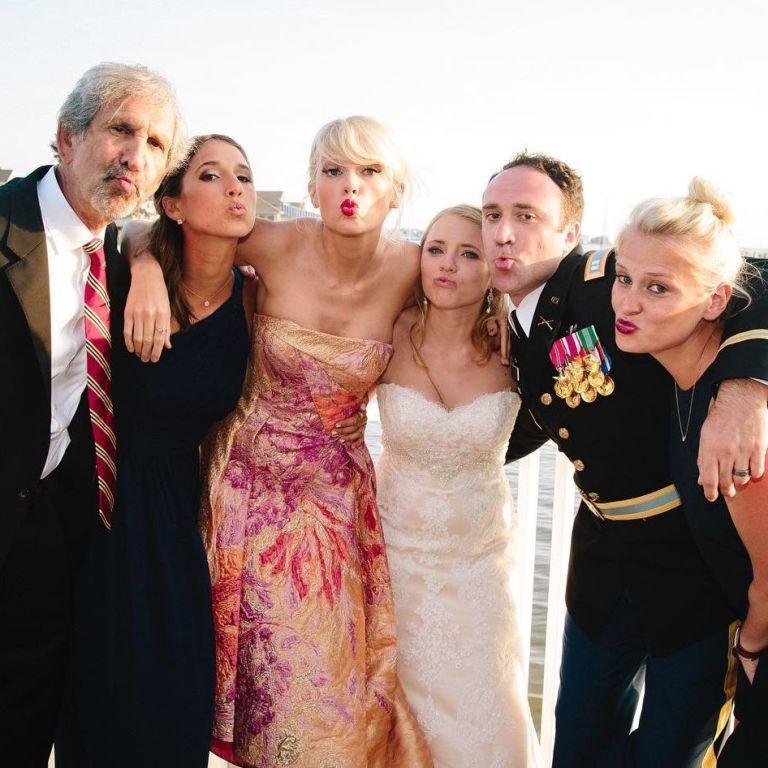 Taylor Swift Crashes wedding