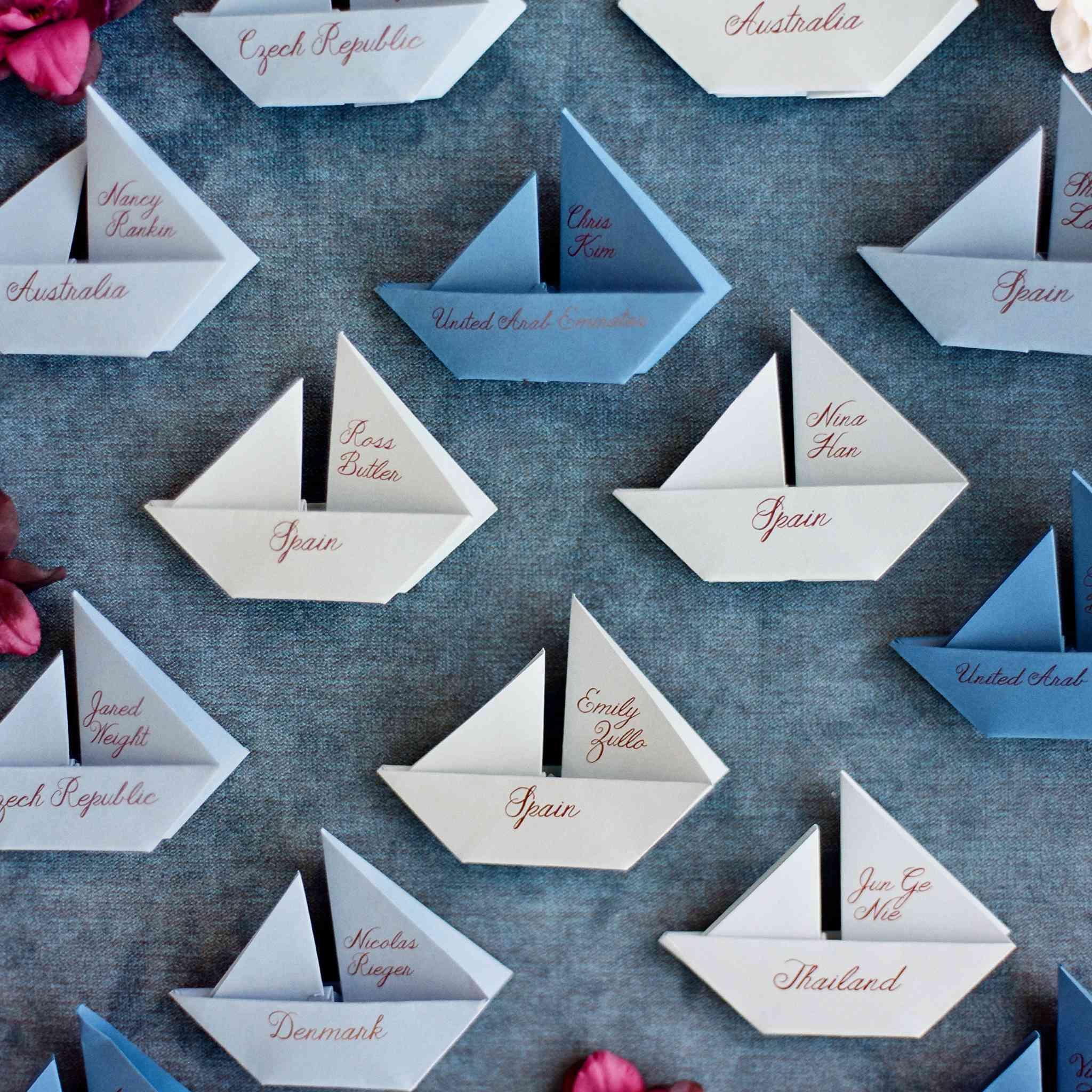 <p>sailboat origami escort cards</p><br><br>