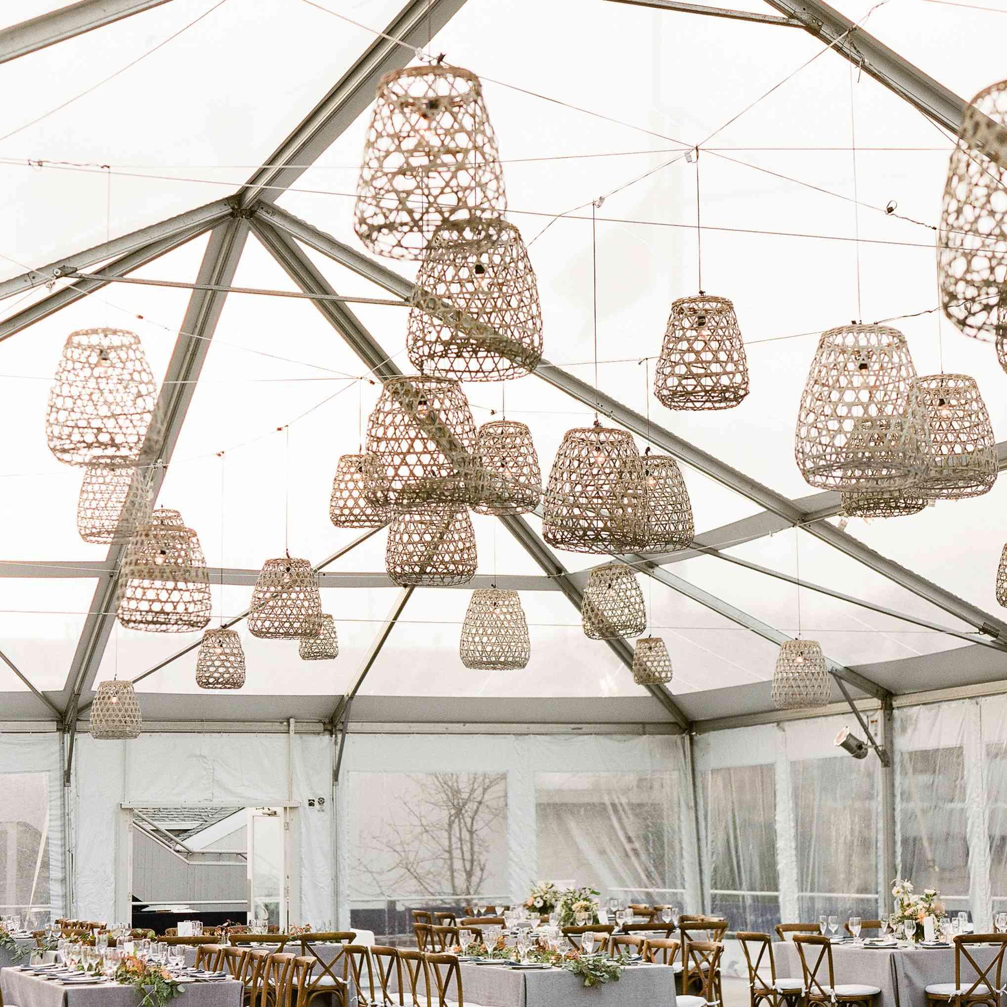 <p>clear tent hanging basket lanterns</p><br><br>