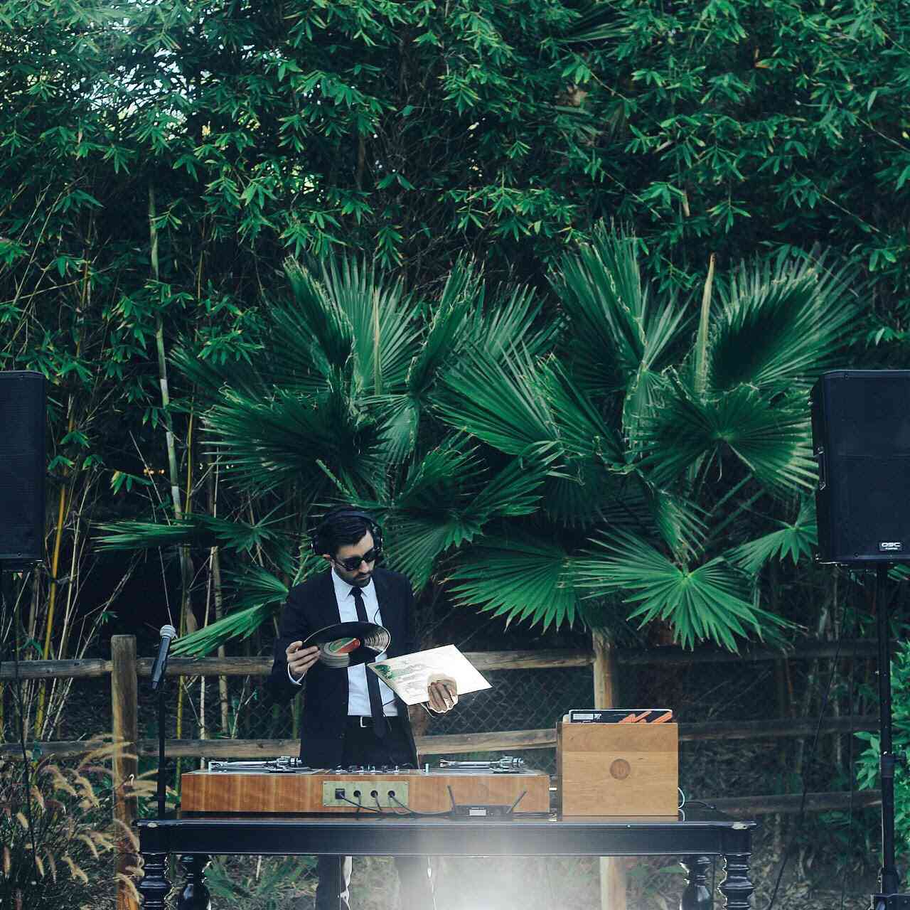 9 DJs and Bands Celebrities Use for Their Wedding
