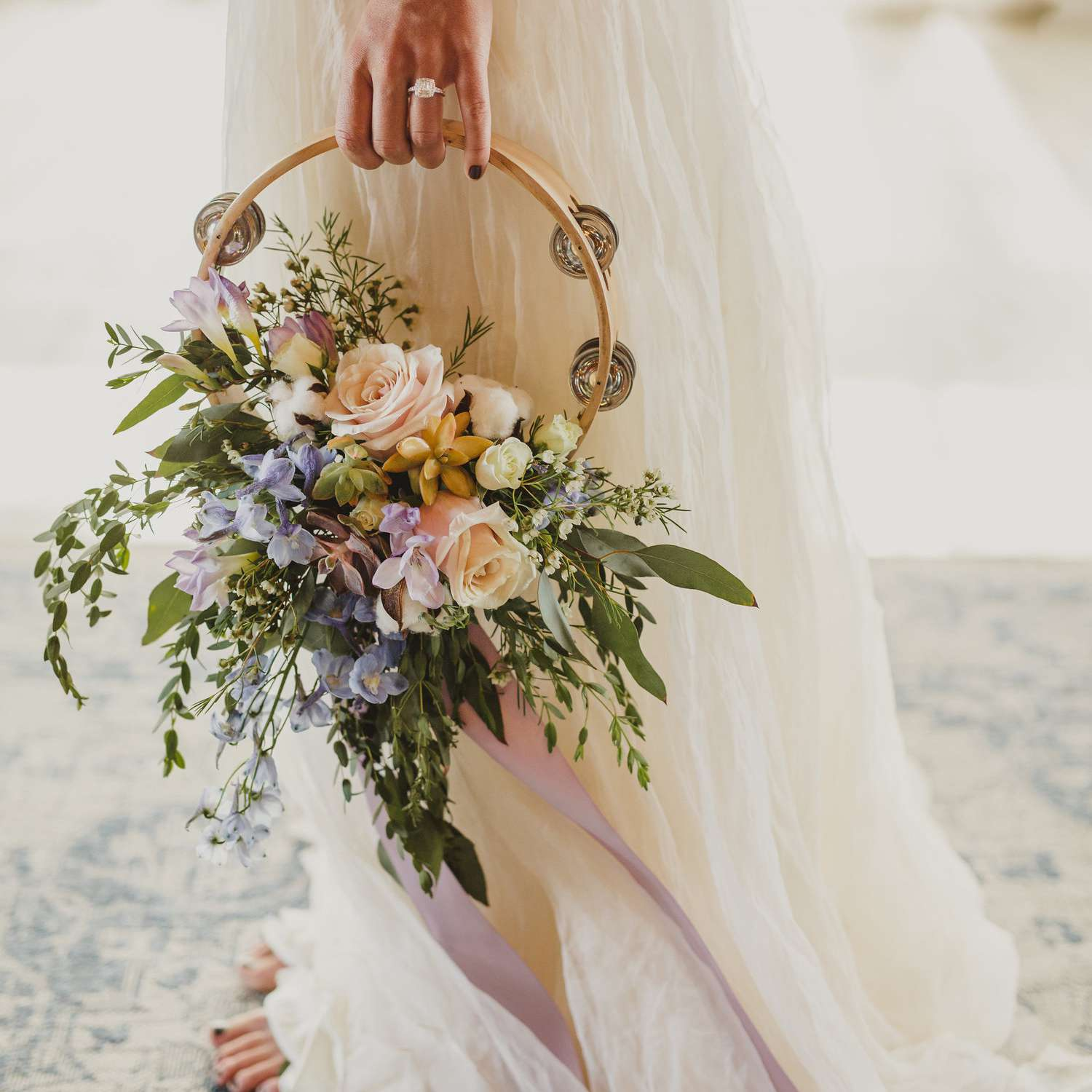 15 Hoop Bouquet Ideas For Brides And Bridesmaids