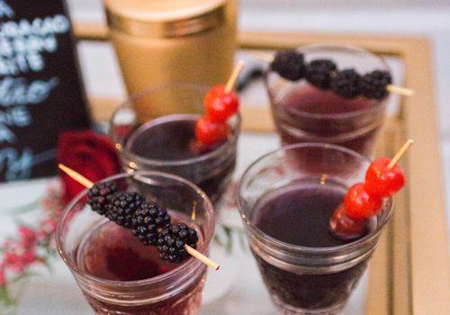 <p>Romantic Signature Wedding Cocktail Ideas</p>