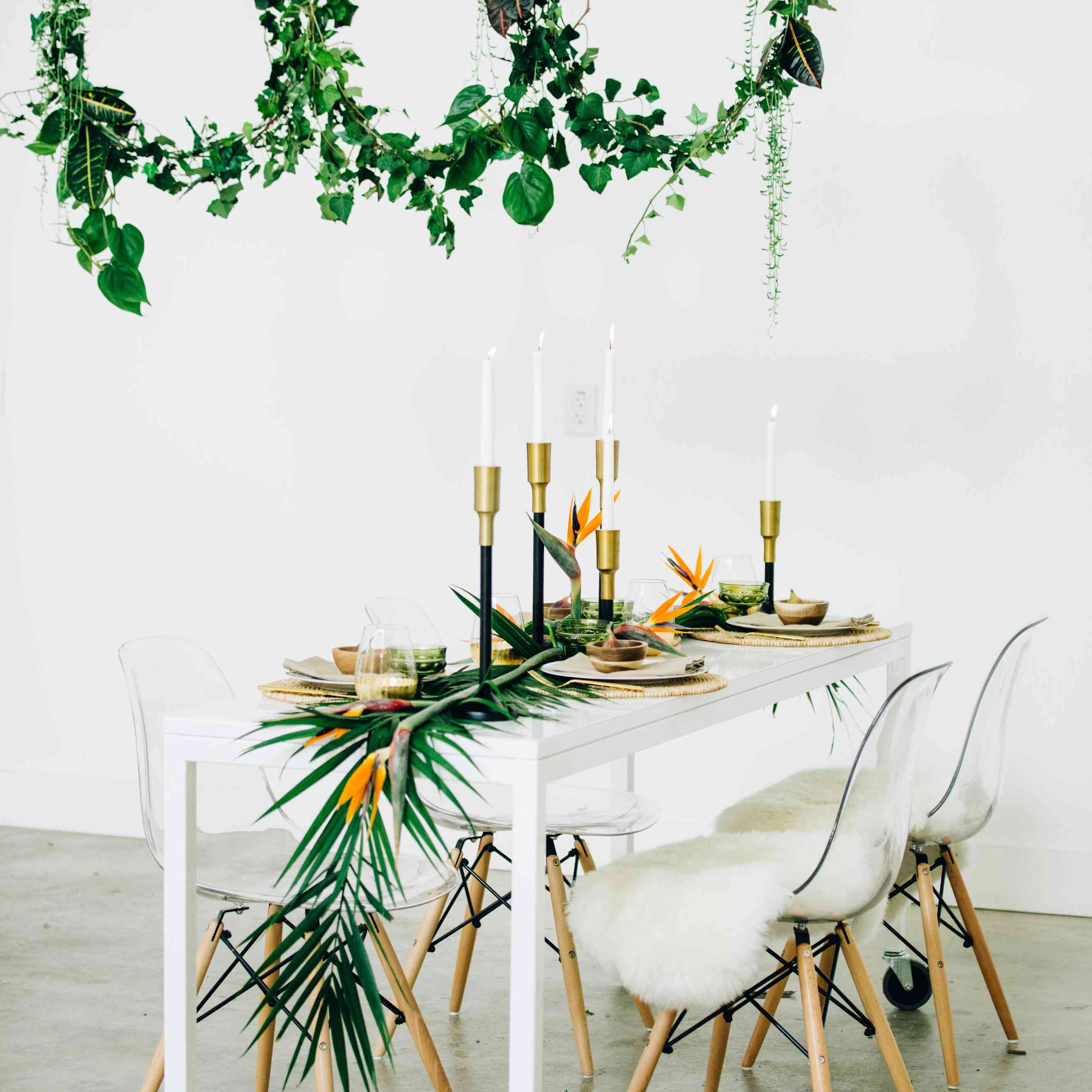Tropical Table Garland