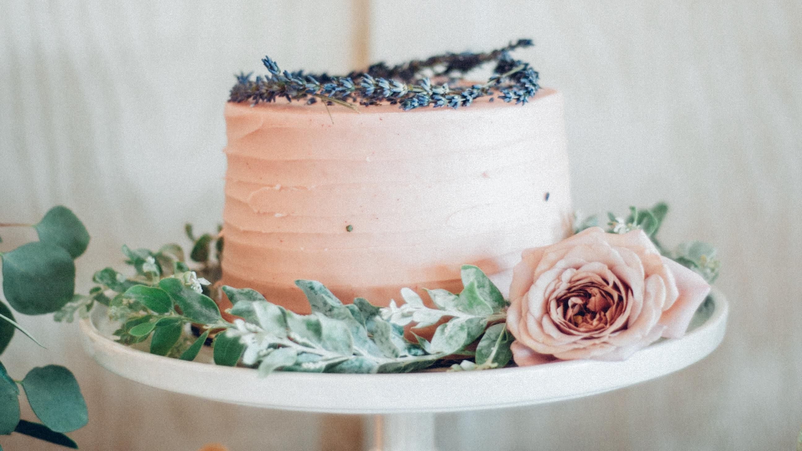 19 Lavender Wedding Ideas That Smell As