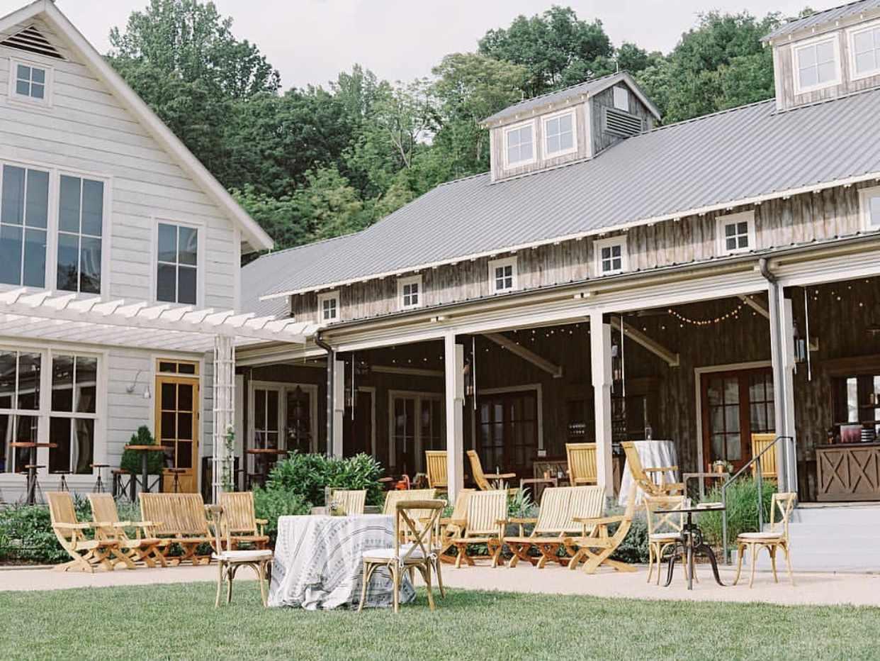 14 Ways To Host An Elegant Farm Wedding Ideas Lighting Landscaping G Coyni on