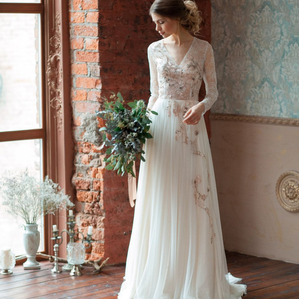 8 Wedding Dresses We Love from Etsy
