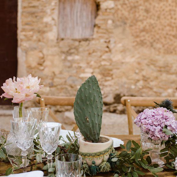 simple cactus centerpiece