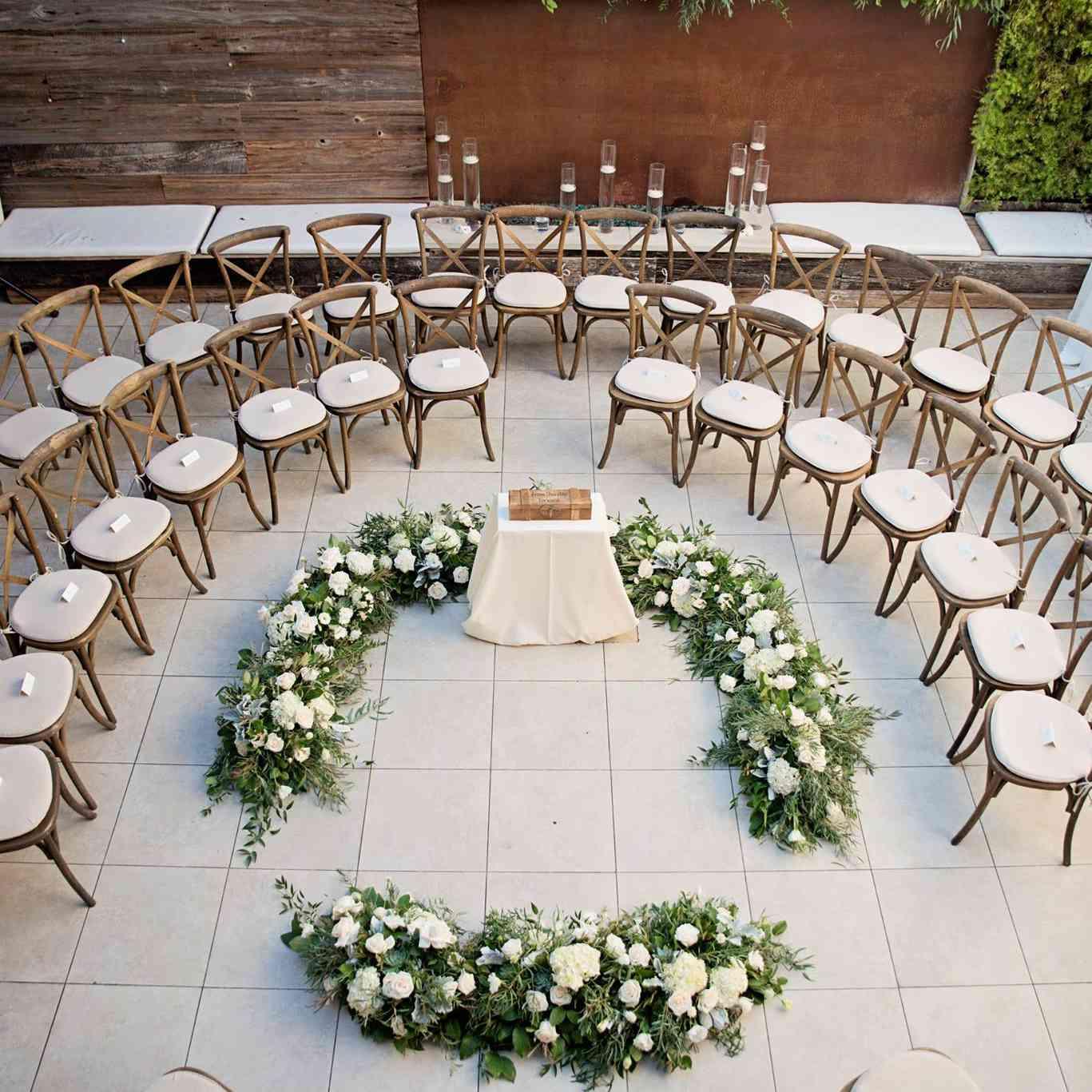 Unique Wedding Themes: 5 Unique Wedding Ceremony Seating Ideas