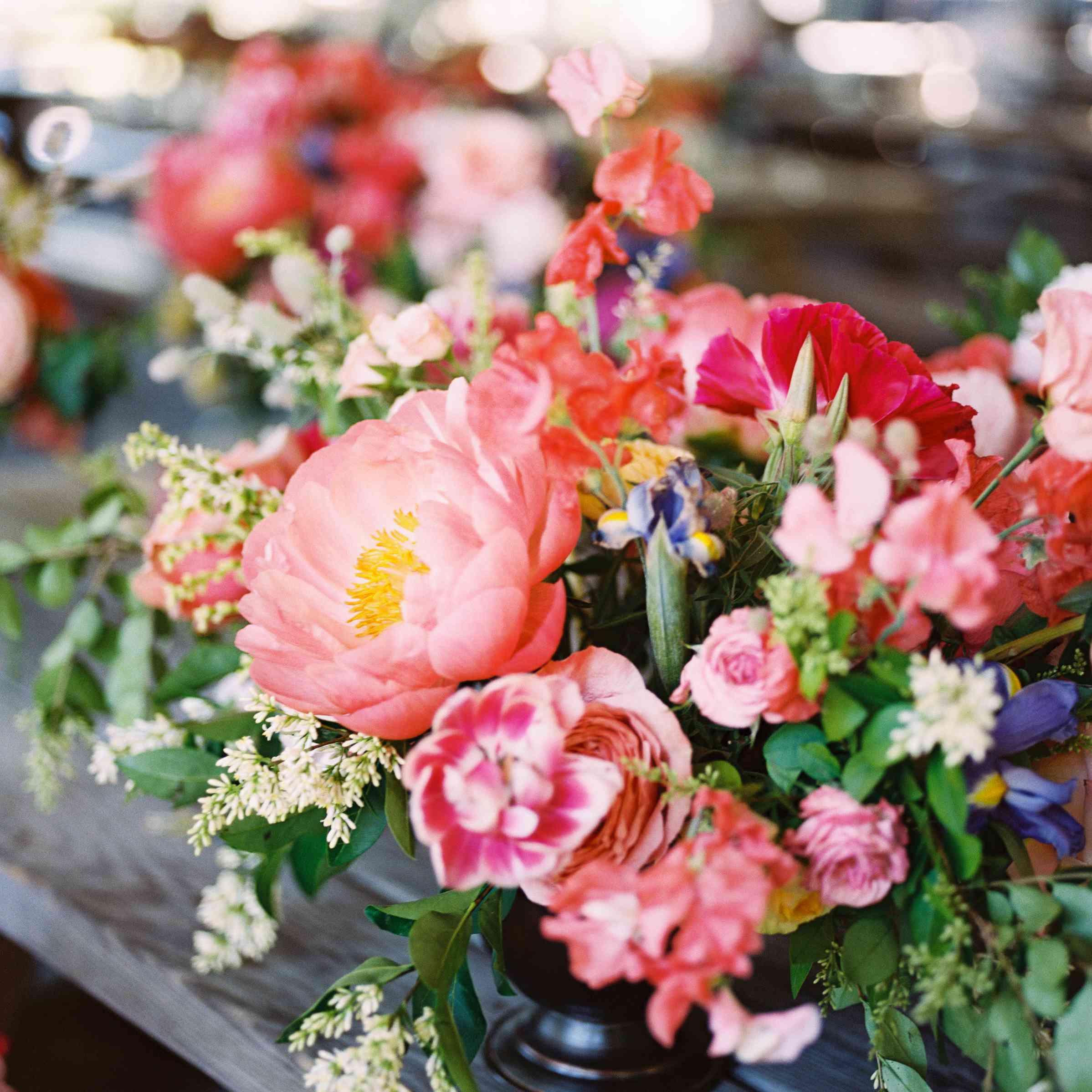 Spring Wedding Centerpiece Ideas: 11 Spring Wedding Centerpieces That'll Make You Swoon