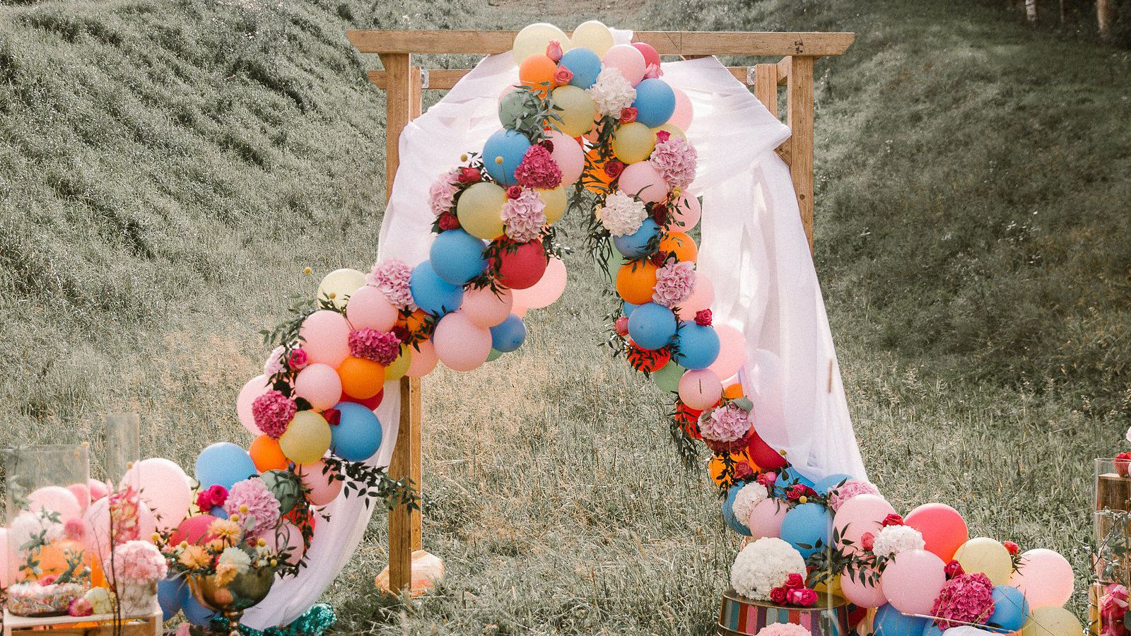 18 Wedding Themes for Any Style