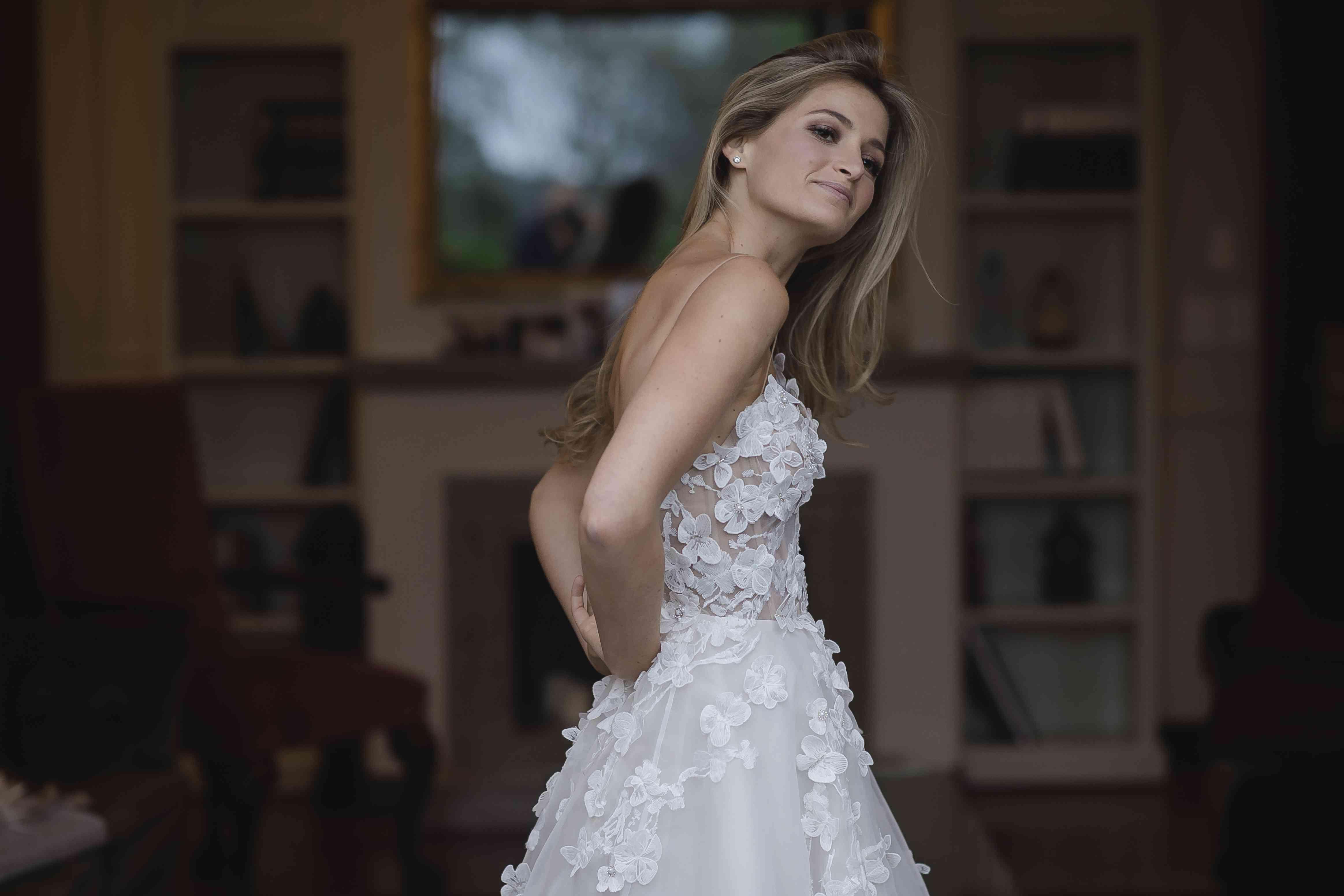 <p>Bride solo shot</p><br><br>