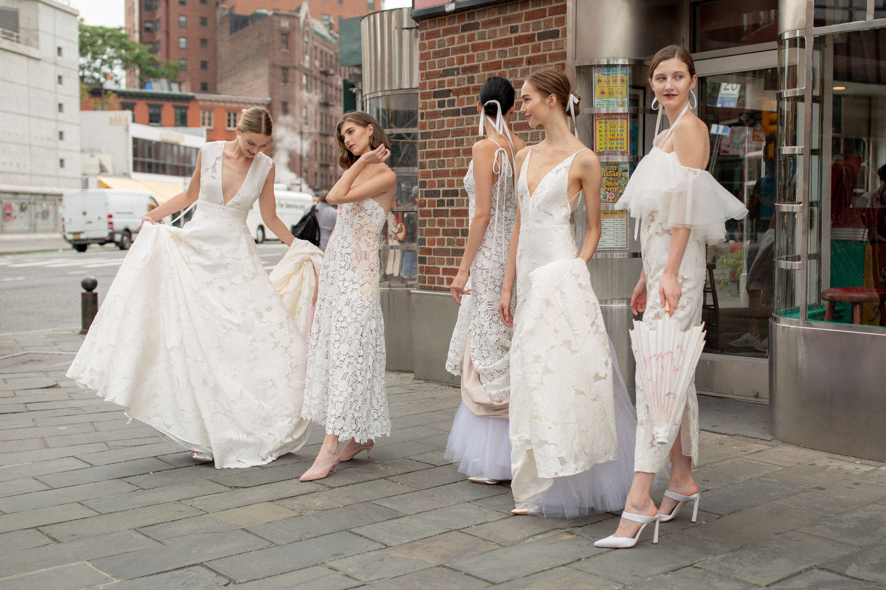 d0279eff73ec2 11 Fall 2019 Wedding Dress Trends You Have to See