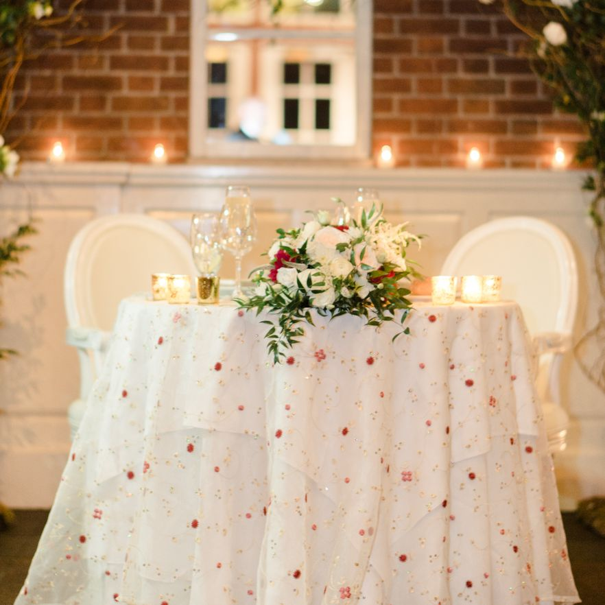 10 Sweetheart Table Ideas You'll Fall Head Over Heels For