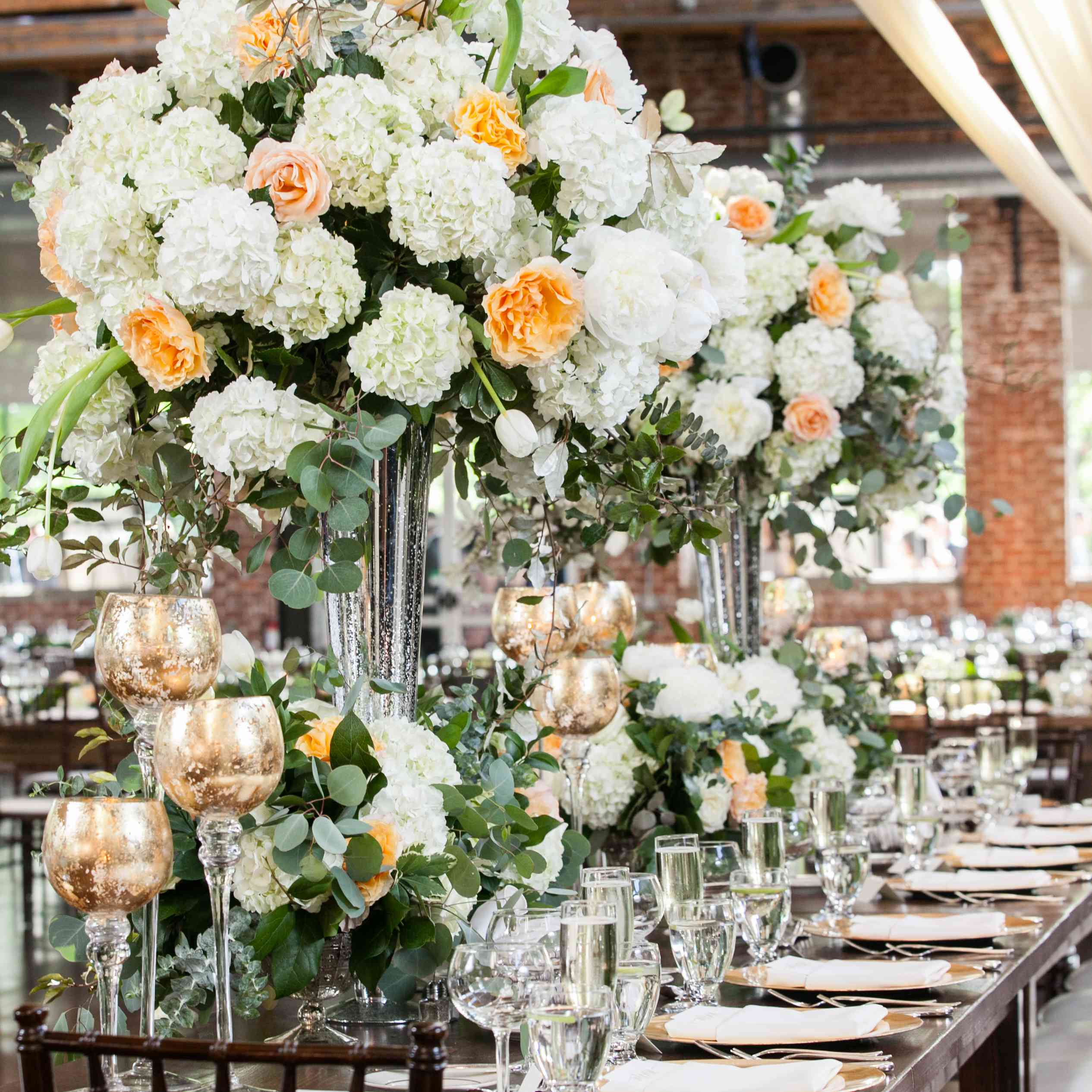 average cost of wedding flowers: making the most of a floral