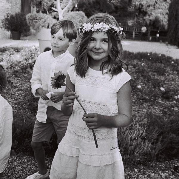 kids in wedding flower girl