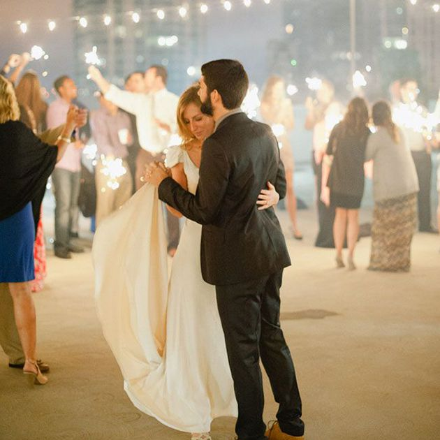 Ideas For Wedding Reception Without Dancing: 5 Creative Ways To Light Up Your Wedding With Sparklers