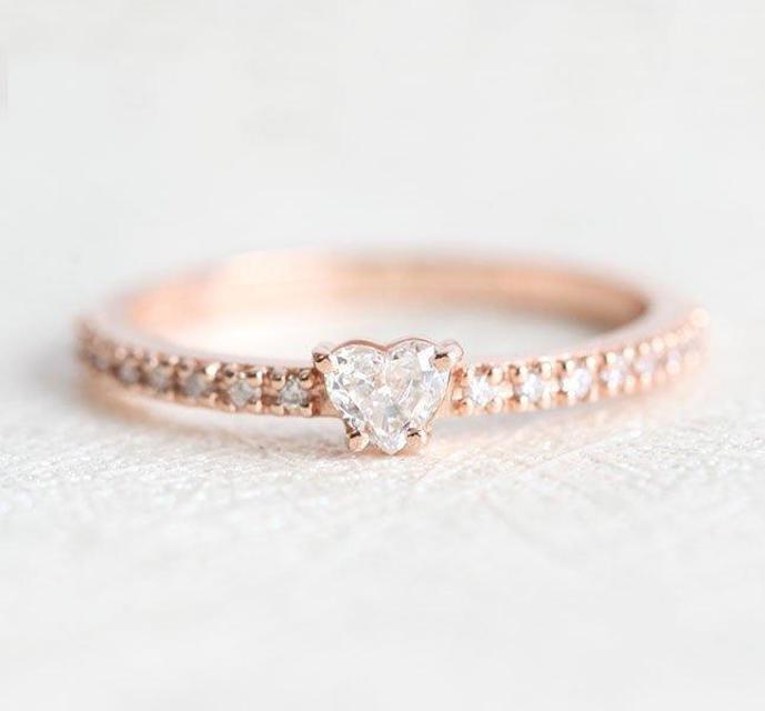 Capucinne Diamond Heart Ring
