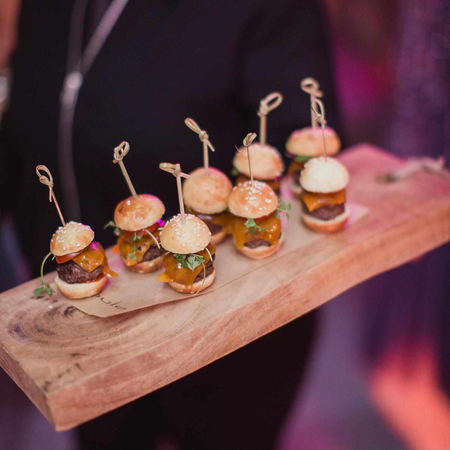 Wedding Finger Food Menu: 17 Hors D'oeuvre Ideas For The Best Cocktail Hour Ever