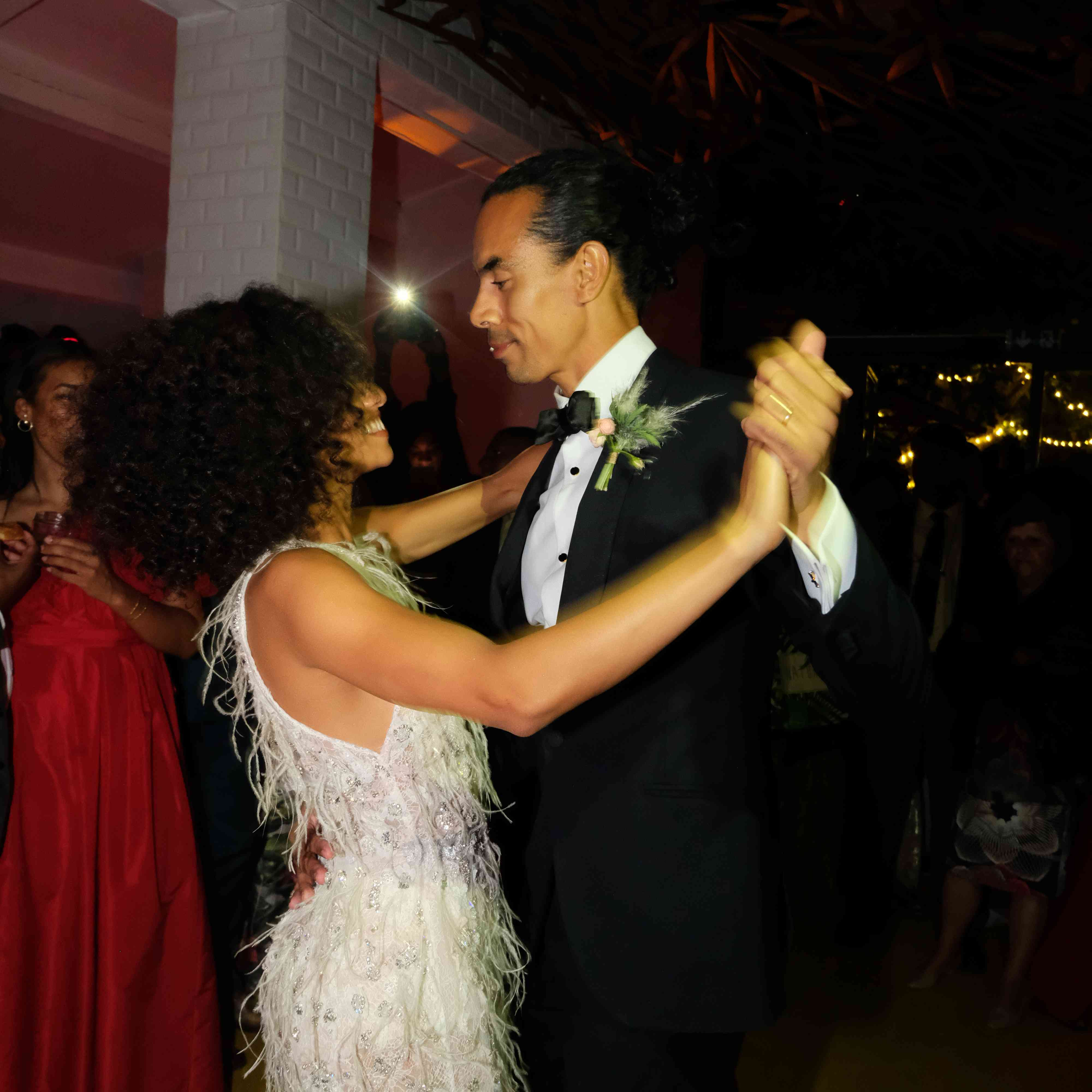 <p>couple dancing</p><br><br>