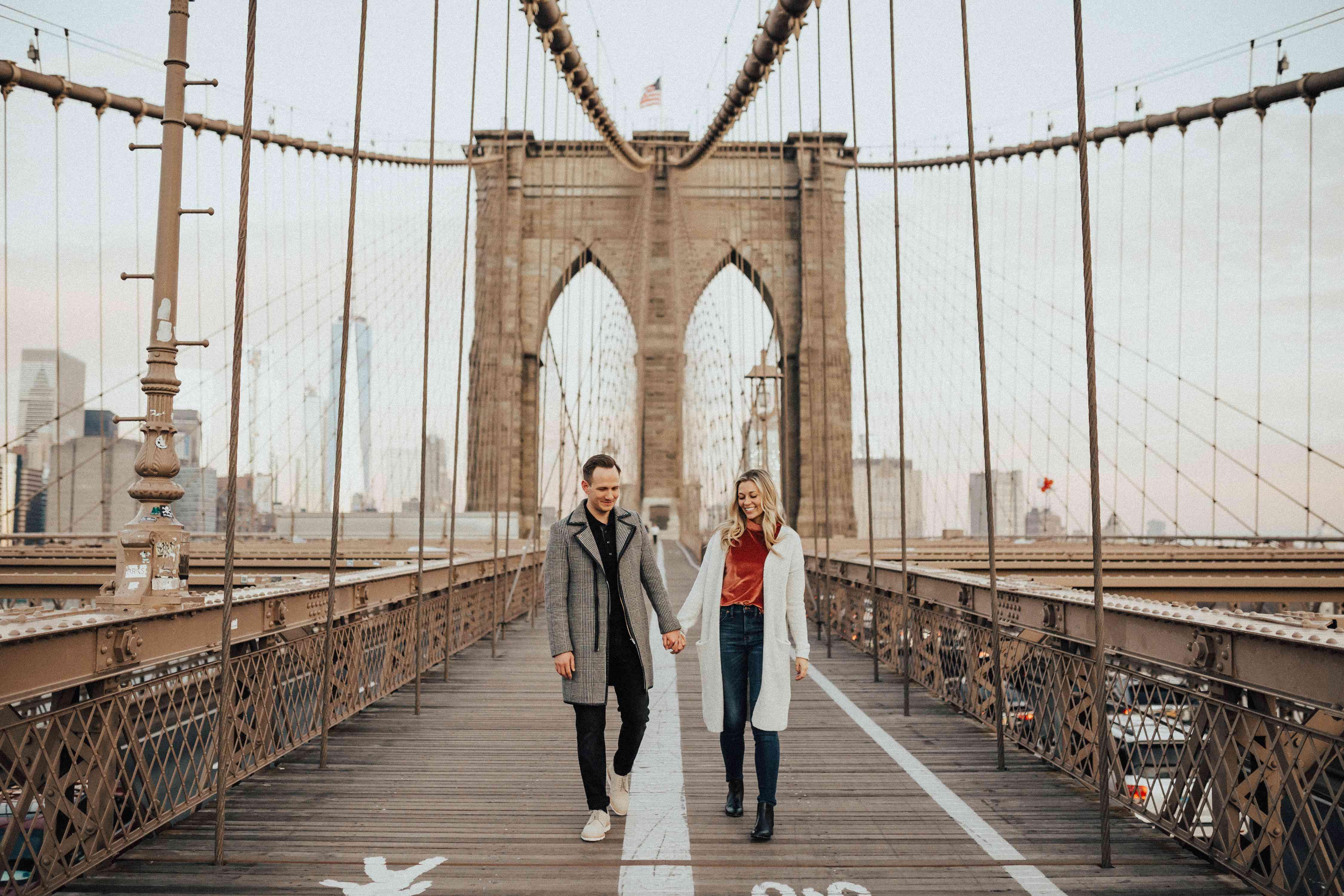 Couple on Brooklyn Bridge