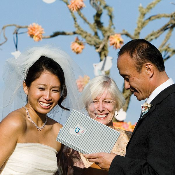 Non Religious Wedding Reading: 11 Traditional Wedding Vows To Inspire Your Own