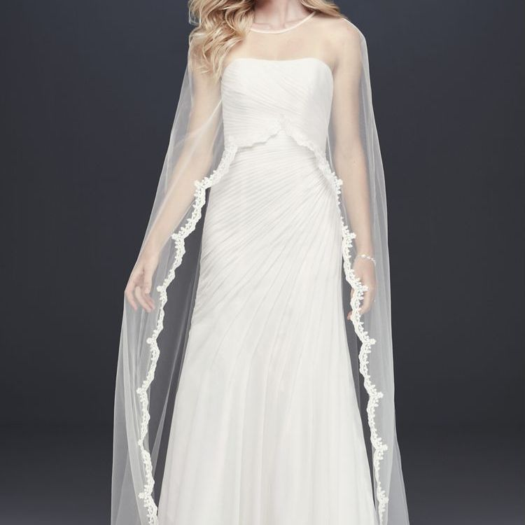 The 31 Best Bridal Capes Of 2020