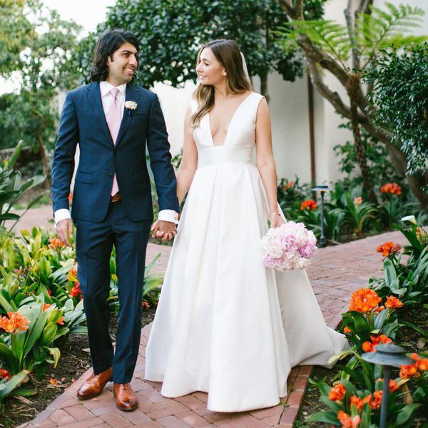 images?q=tbn:ANd9GcQh_l3eQ5xwiPy07kGEXjmjgmBKBRB7H2mRxCGhv1tFWg5c_mWT Get Inspired For Iliza Shlesinger Wedding Dress @bookmarkpages.info