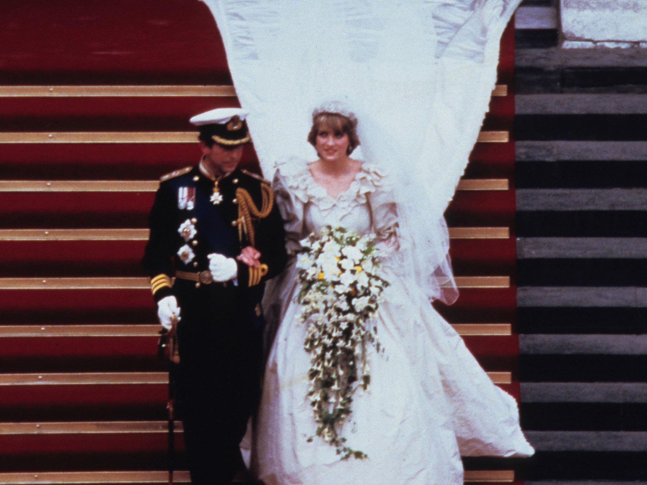 princess diana s wedding dress designer created a secret second gown princess diana s wedding dress designer