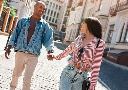 young couple walking down the street, new relationship advice