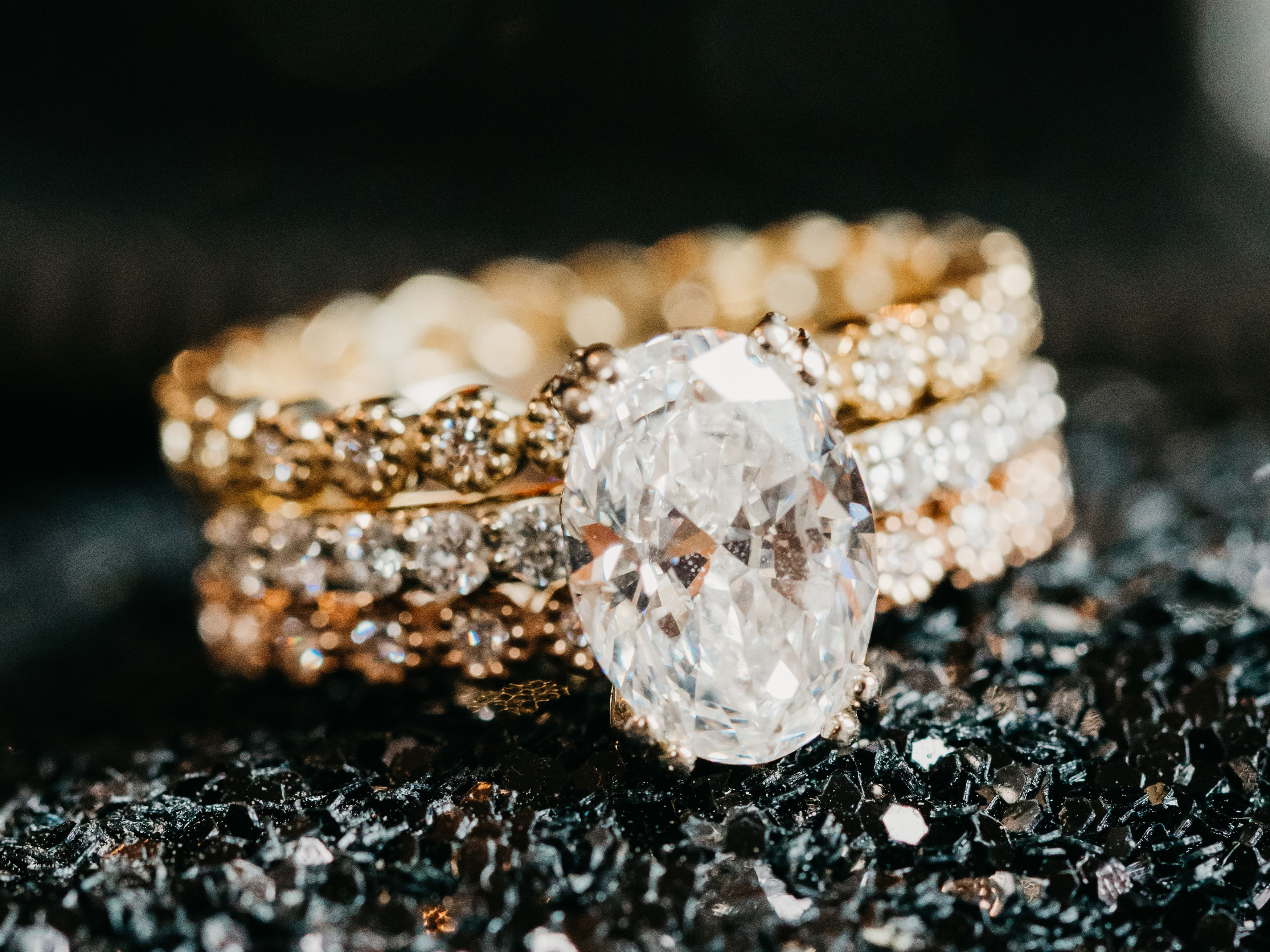 Diamond Ring Shopping 101: How and Where to Buy Engagement Rings