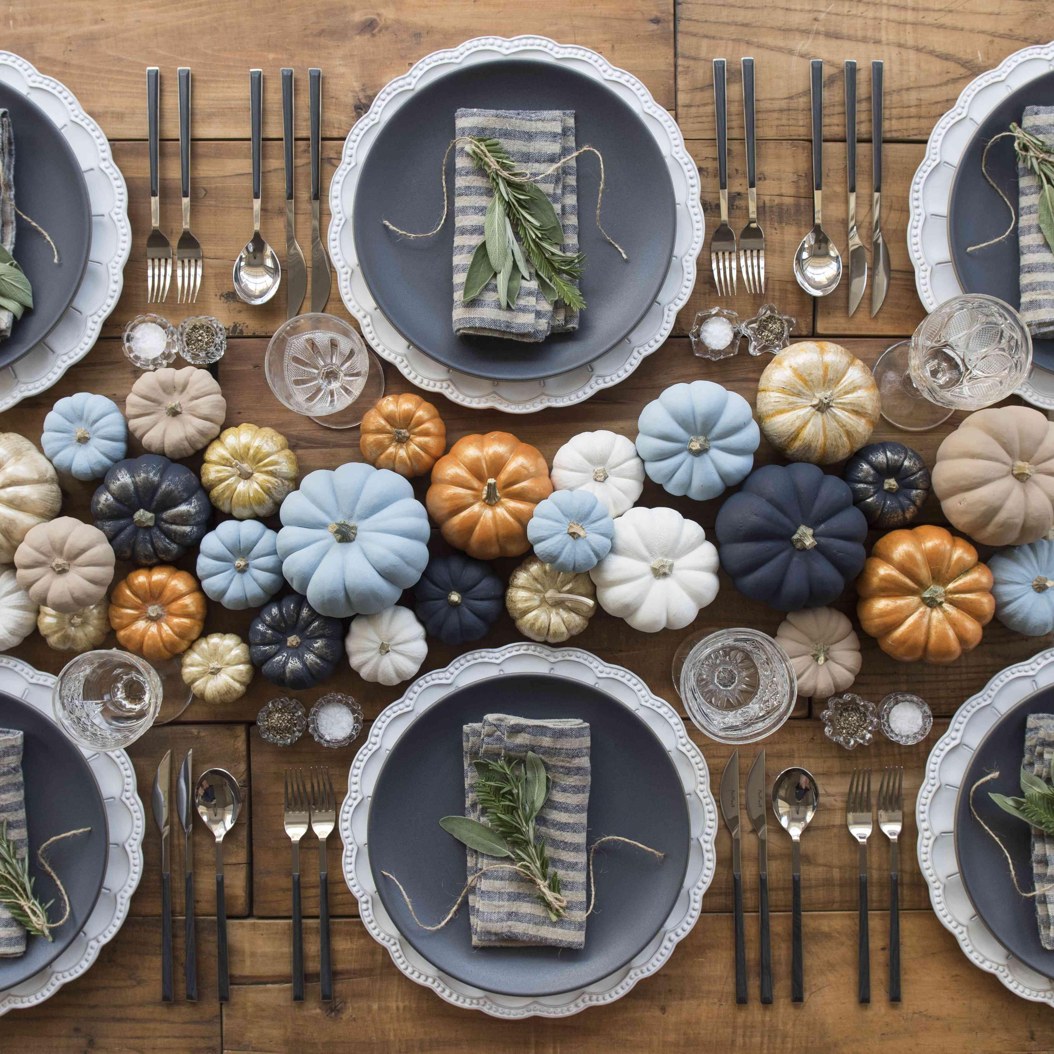 Pumpkin tablescape décor