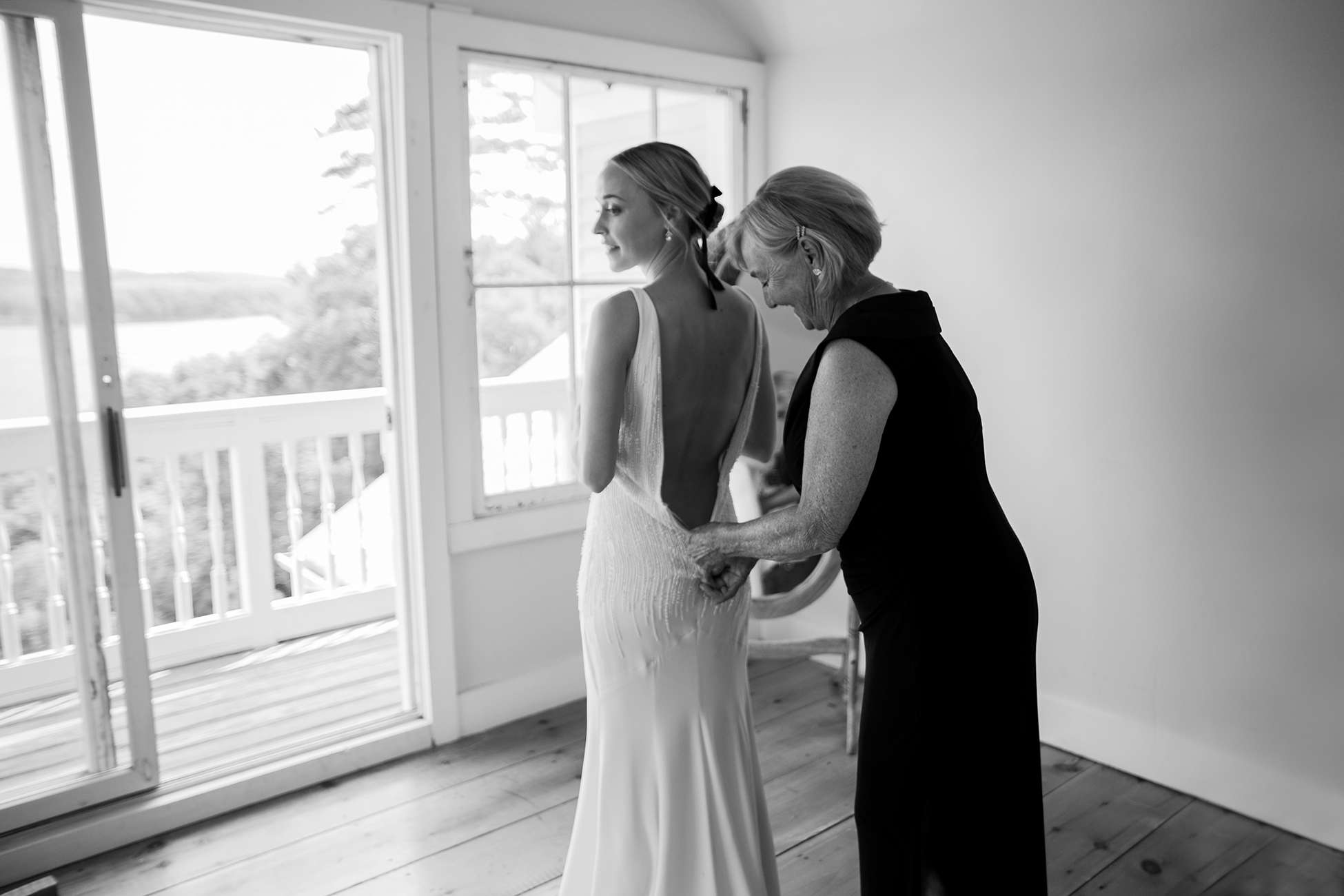 <p>bride and mother of the bride getting ready</p><br><br>