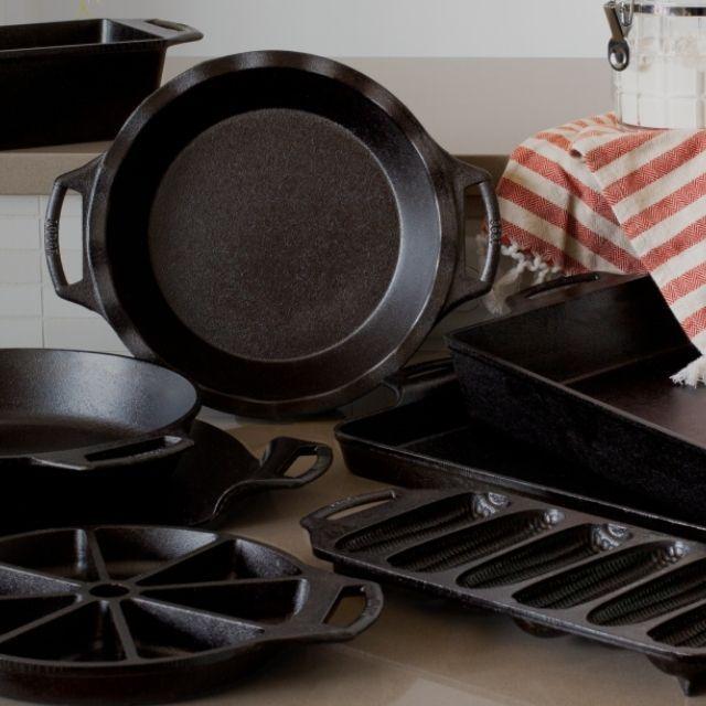 Lodge Cast Iron Bakeware Essentials