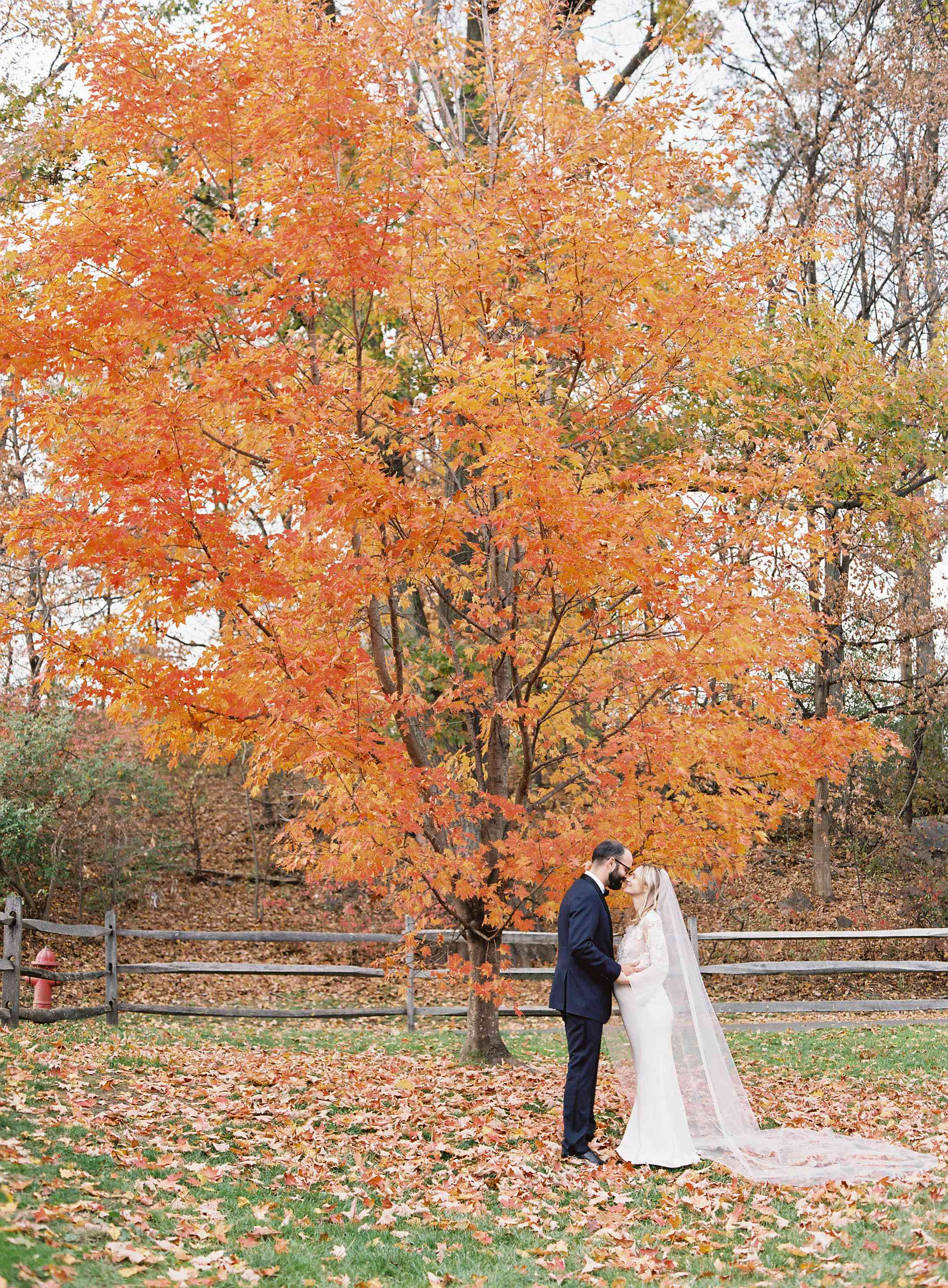 39 Fall Wedding Décor Ideas For The Ultimate Seasonal
