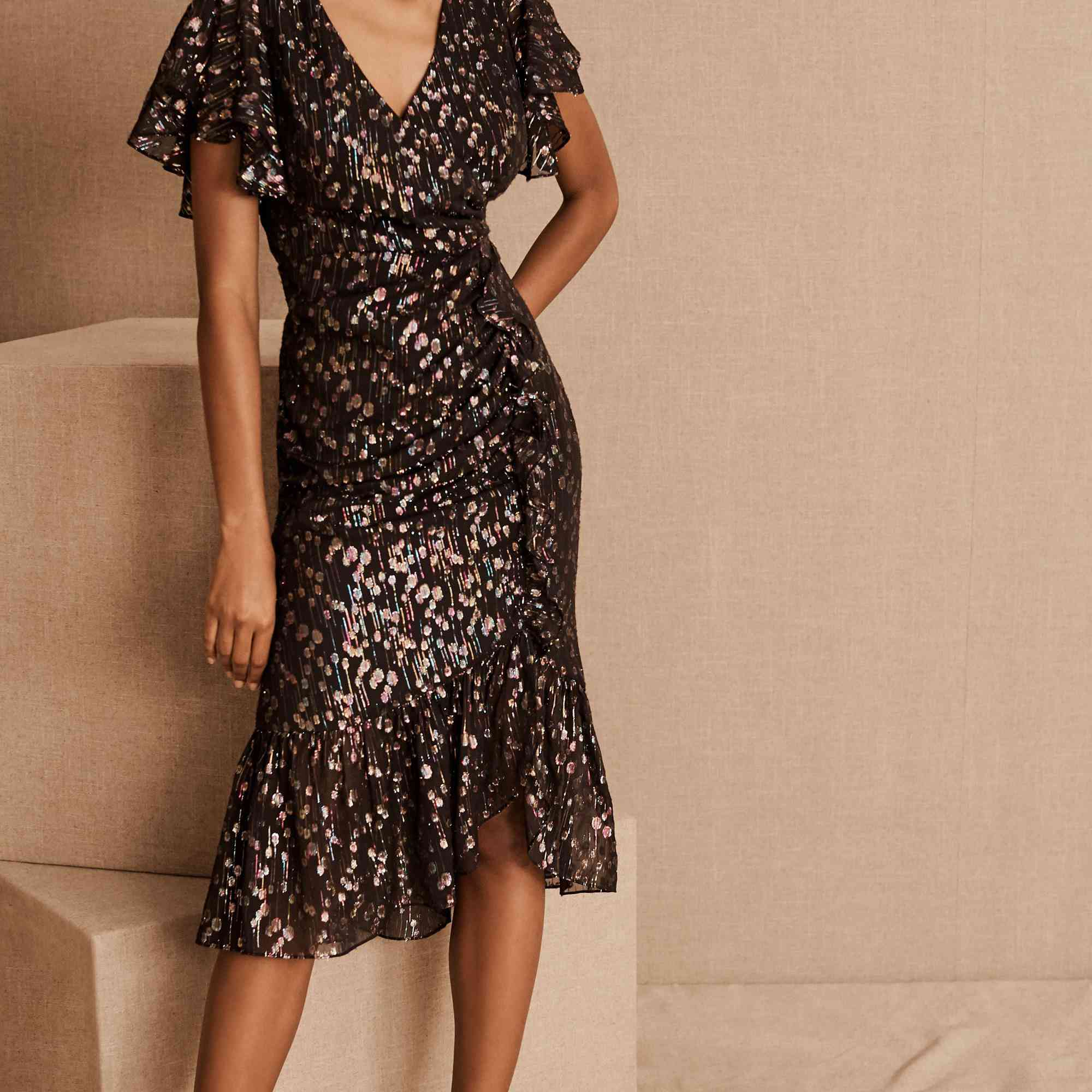 What to Wear to a New Year's Eve Wedding: 25 Wedding Guest ...