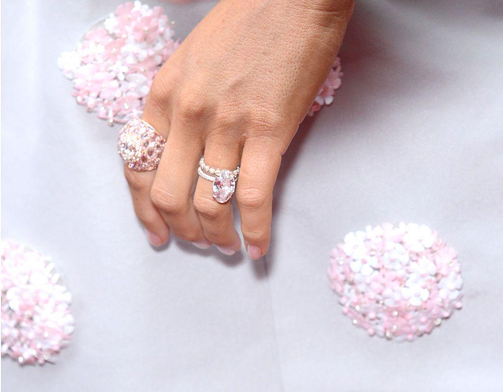 blake lively's engagement ring